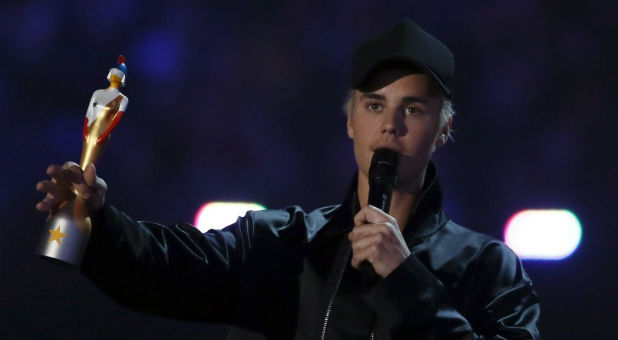 reuters-Justin-Bieber-Brit-awards